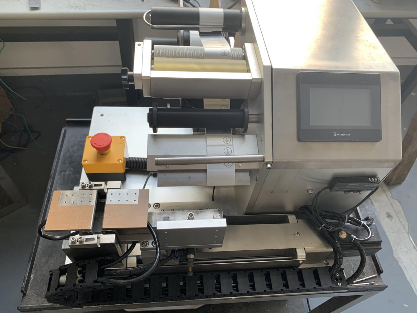 USA customer order 1 set flag labeling machine for rubber band