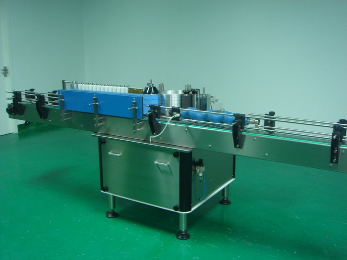 UAE customer confirmed another set of wet glue labeling machine for paper can